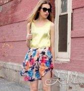 【半身裙】裙子的水墨画般的印花风情万