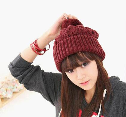 <b>今冬毛线帽的风向标教您搭配发型</b>