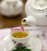 <b>ol一族健康饮茶 帮你抗击电脑辐射养出好肌肤</b>