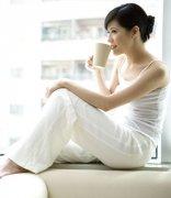 清晨的第一杯水怎样喝才健康