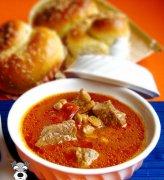 养颜补血汤-西红柿牛肉汤