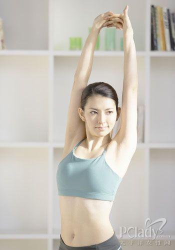 四个瑜伽经典动作 瘦出小蛮腰